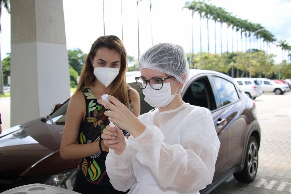 Alunos de enfermagem do Cephas participam da campanha de vacinação