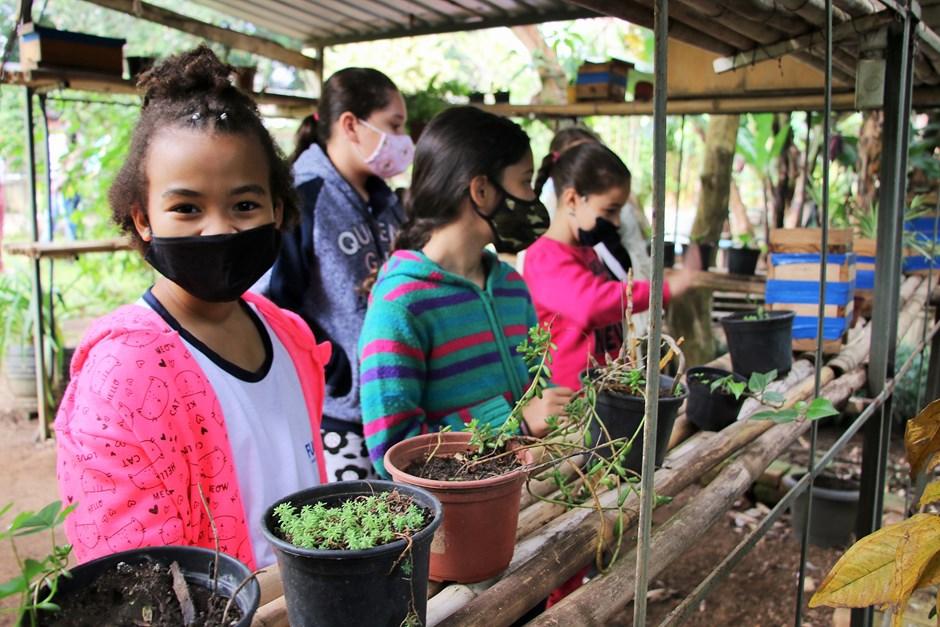 Crianças visitam Centro de Estudos Ambientais