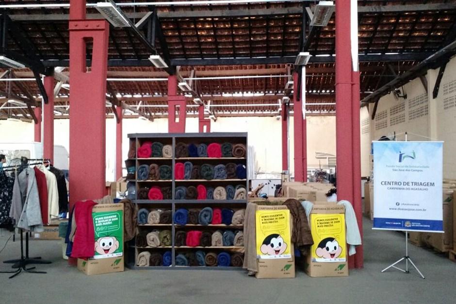 5efb2916ed79 Fundo Social de Solidariedade reúne agasalhos e cobertores no Centro de  Distribuição