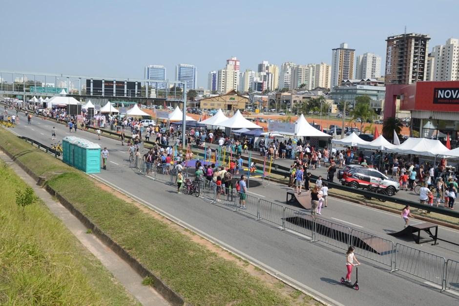 Em um lindo dia de sol, muitos joseenses foram ao Anel Viário curtir em família o Circuito de Lazer, que prossegue até as 16h